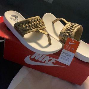 Nike Bella Kai Thongs 2